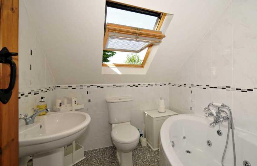 Aberdaron holiday cottage - bathroom
