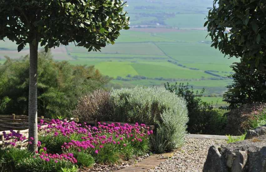 Whistling Sands holiday cottage - garden