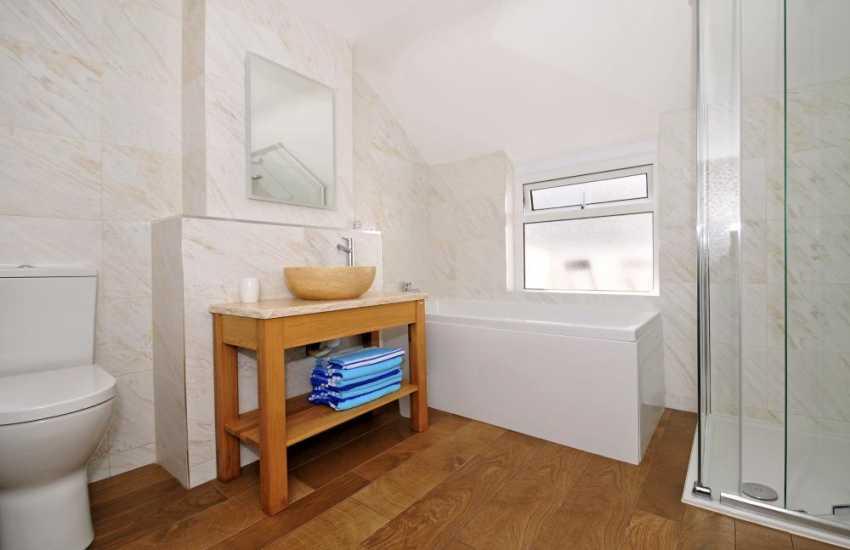 Morfa Nefyn luxury holiday house - bathroom