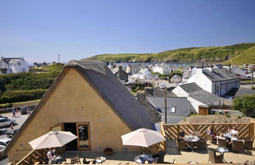 Becws Islyn Shop & Bakery in the centre of Aberdaron