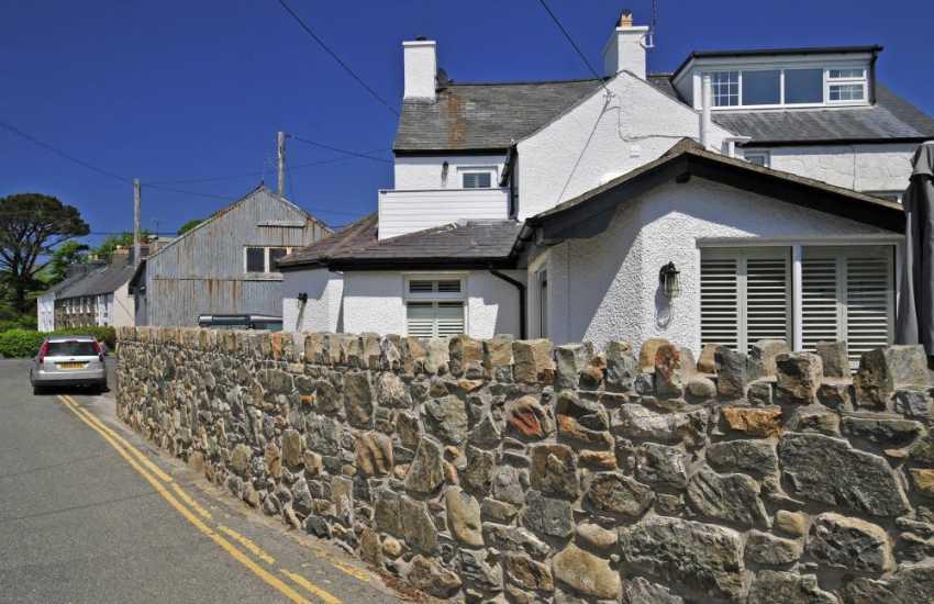 Morfa Nefyn holiday cottage with wifi - exterior