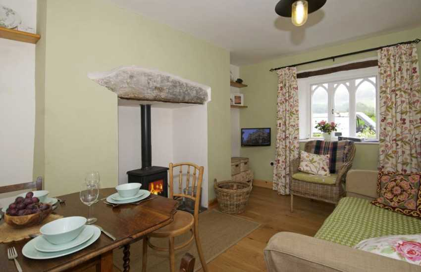 North Wales coastal cottage for 2 - dining