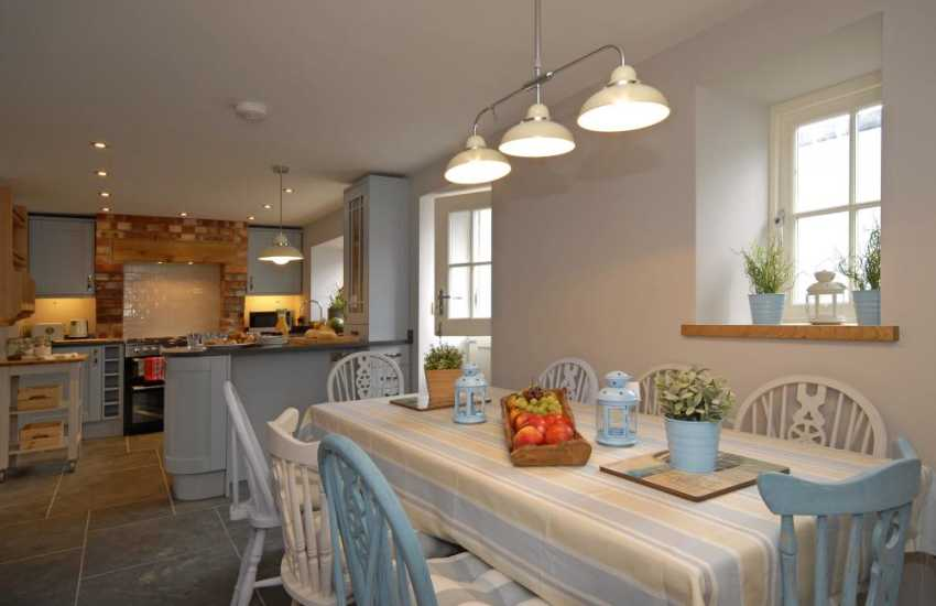 Self catering near Dale - open plan dining/kitchen
