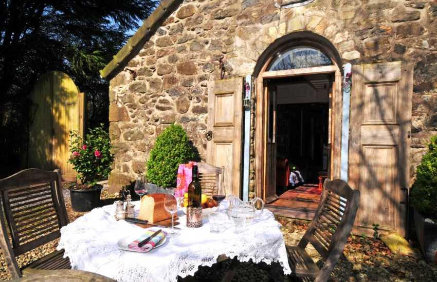 Holiday cottage near Cwm Pennant, Porthmadog & Criccieth North Wales