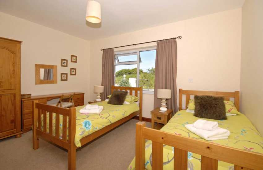 Self-catering cottage Cardigan Bay Heritage Coast - ground floor twin