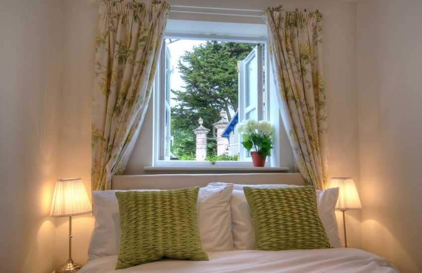 Beaumaris romantic cottage - sleeps 4