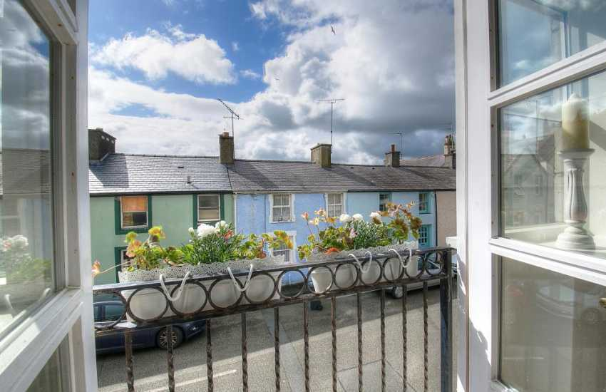 Beaumaris romantic cottage