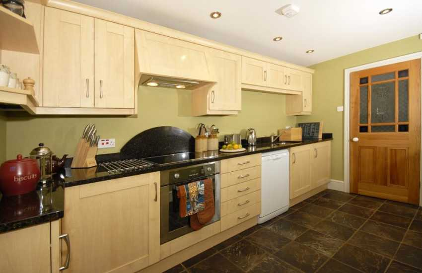 Self-catering Pembrokeshire cottage for rent - kitchen