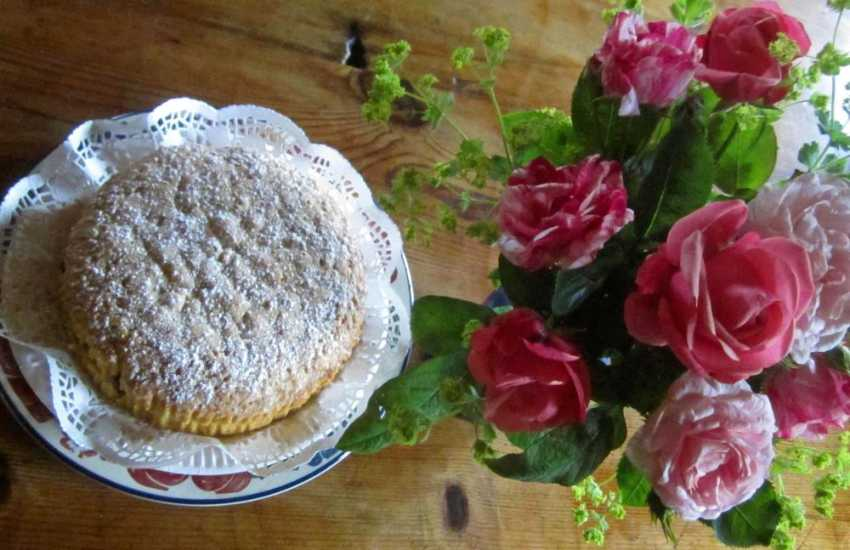Fresh flowers and mouth watering home baked cake awaits you at this charming holiday cottage