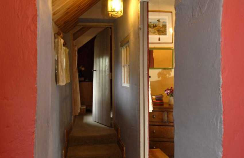 Traditional stone cottage for holidays in rural Carmarthenshire