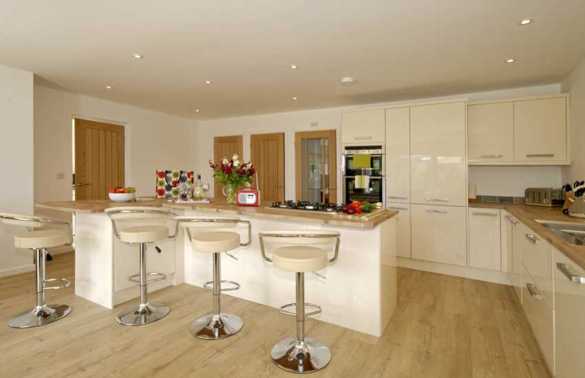 St Davids city spacious family holiday cottage - luxury open plan kitchen area