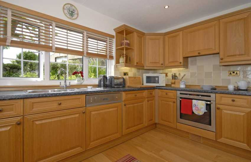 Self-catering Pembrokeshire holiday cottage - open plan modern kitchen