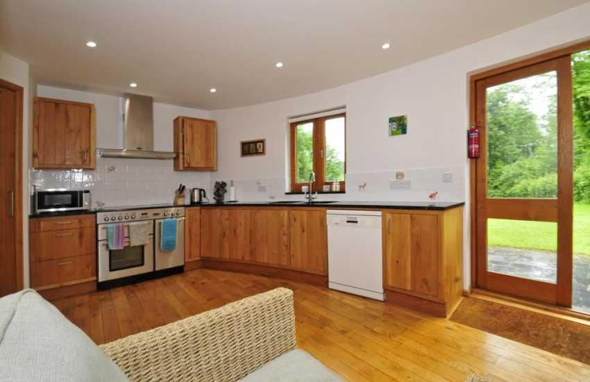 Carmarthenshire holiday cottage sleeping 8-kitchen