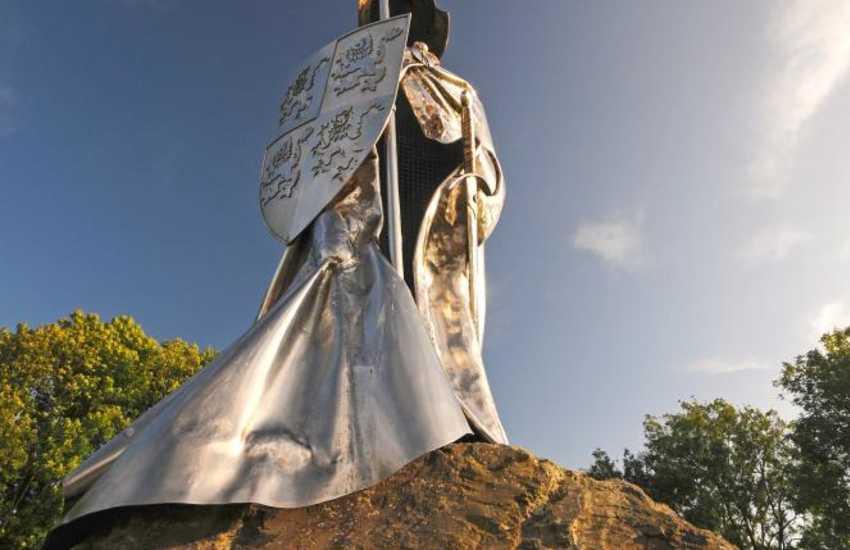 Llandovery's monument to Welsh resistance hero - Llewelyn ap Gruffydd Fychan