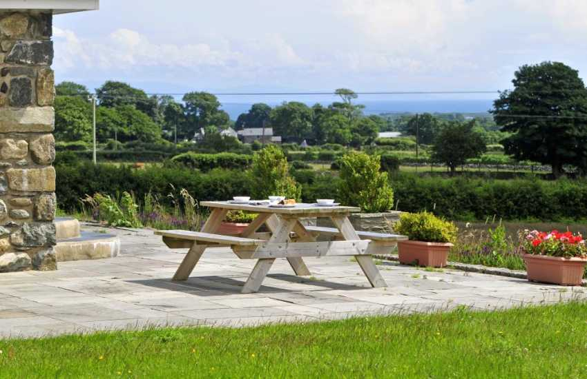 Rural Welsh holiday cottage - view