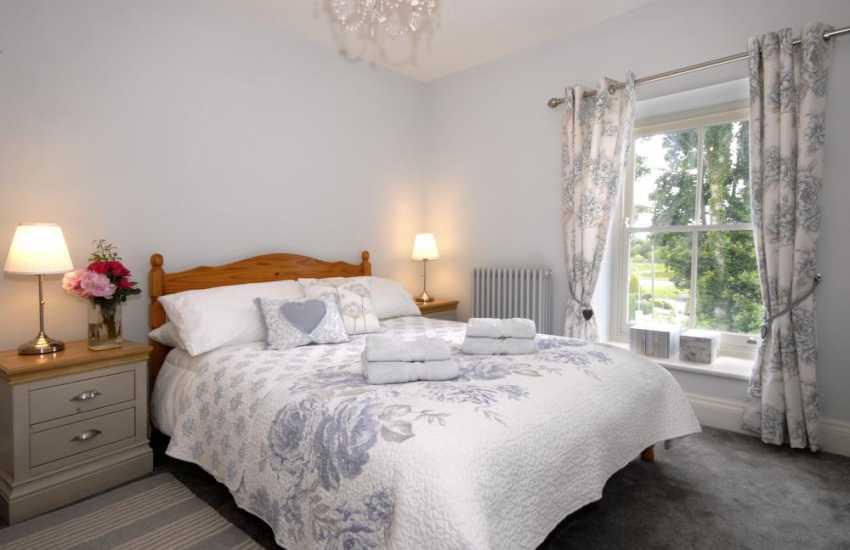 Little Haven holiday cottage sleeps 8 - double
