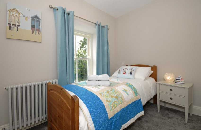 South Pembrokeshire family cottage - single with truckle bed