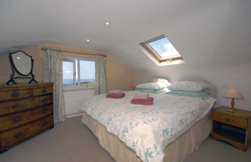 North Pembrokeshire cottage - double with sea views & en-suite shower