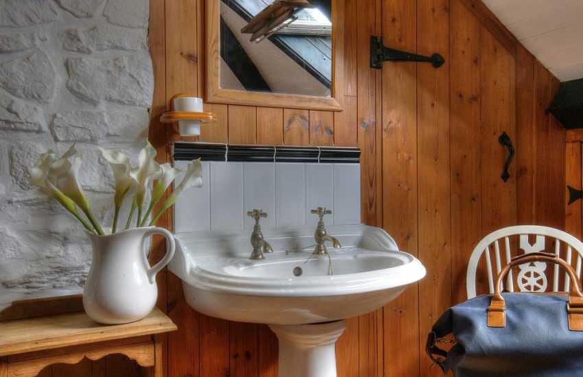 Beaumaris holiday cottage -  en-suite