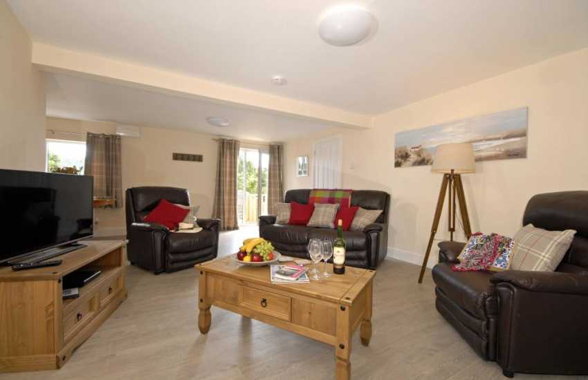 Holiday apartment in St Davids - open plan dining/kitchen/ living room
