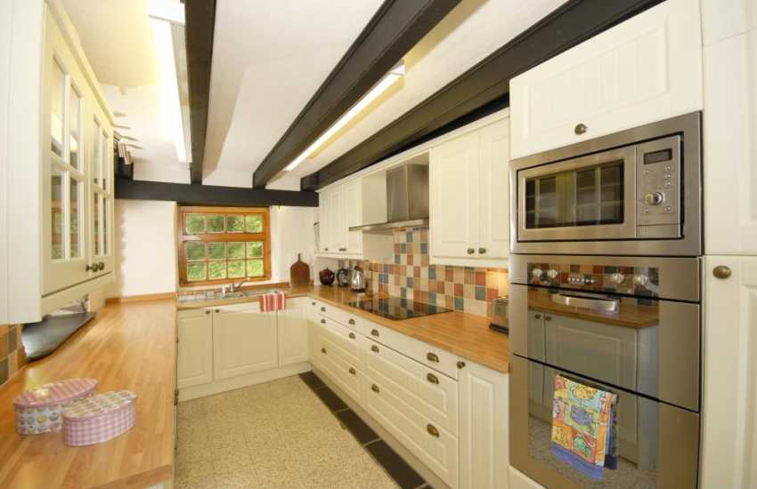 Self-catering holiday home in Pembrokeshire - modern kitchen