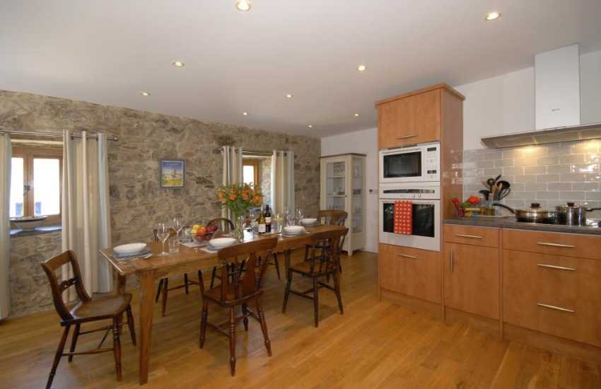 Self-catering holiday apartment St Davids city centre - spacious kitchen/diner