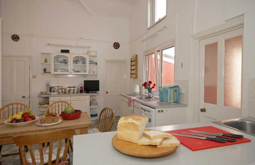 Self-catering holiday Wales-kitchen