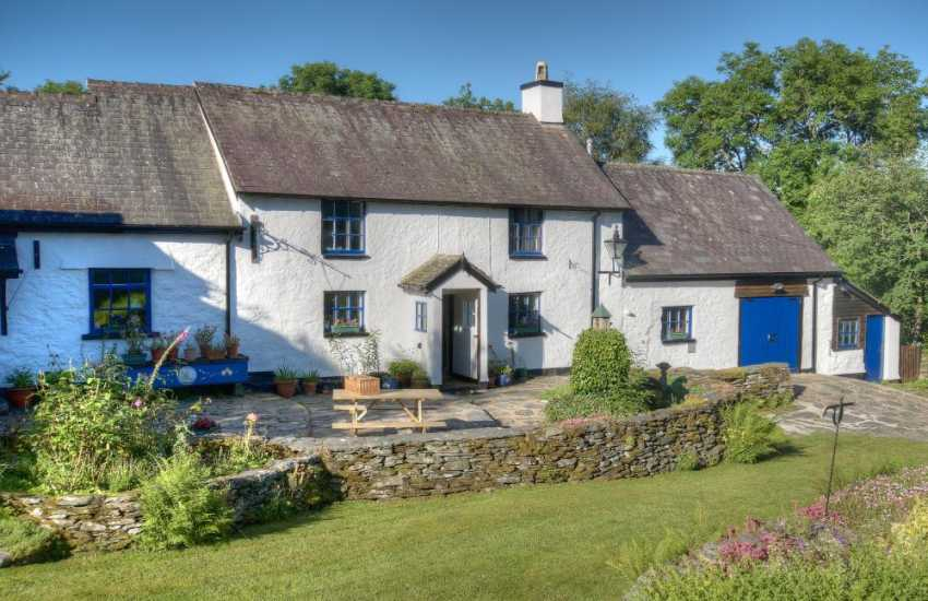 Secluded holiday cottage Wales - ext