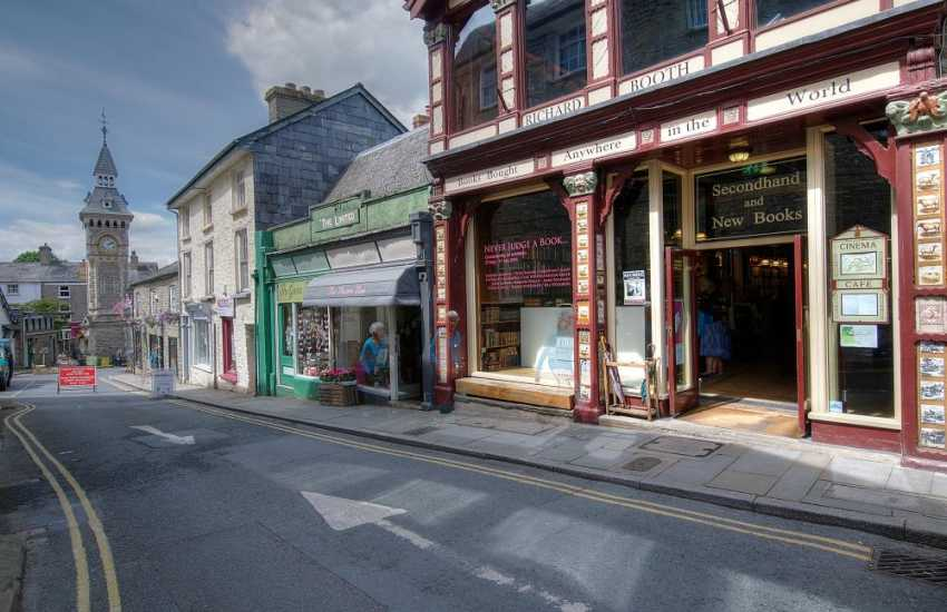 Hay on Wye town centre shops
