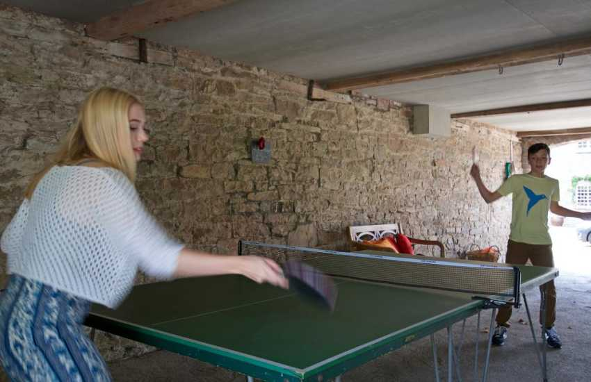 Hay on Wye holiday cottage - table tennis