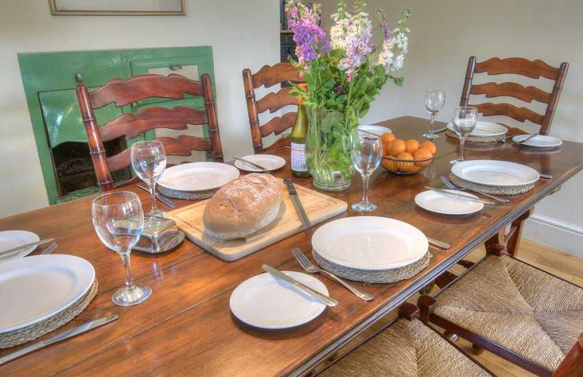 Hay on Wye self catering cottage - dining