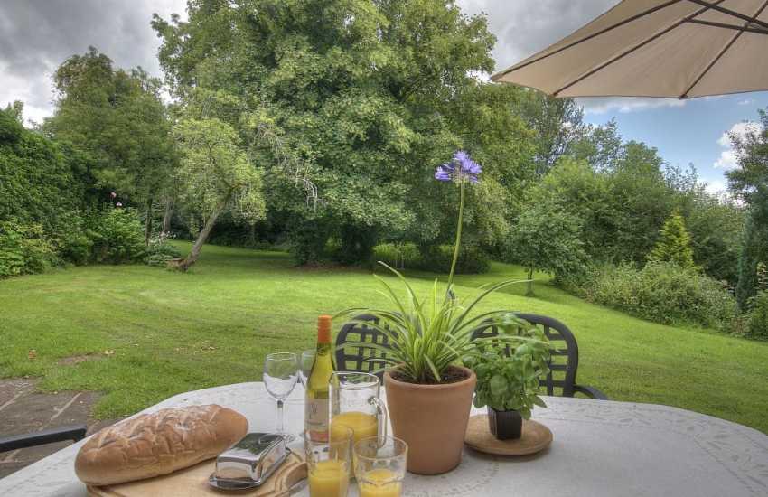 Holiday cottage Hay on Wye  - garden