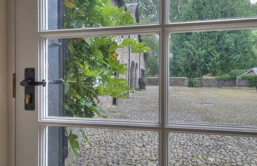 Hay on wye pet friendly cottage - view