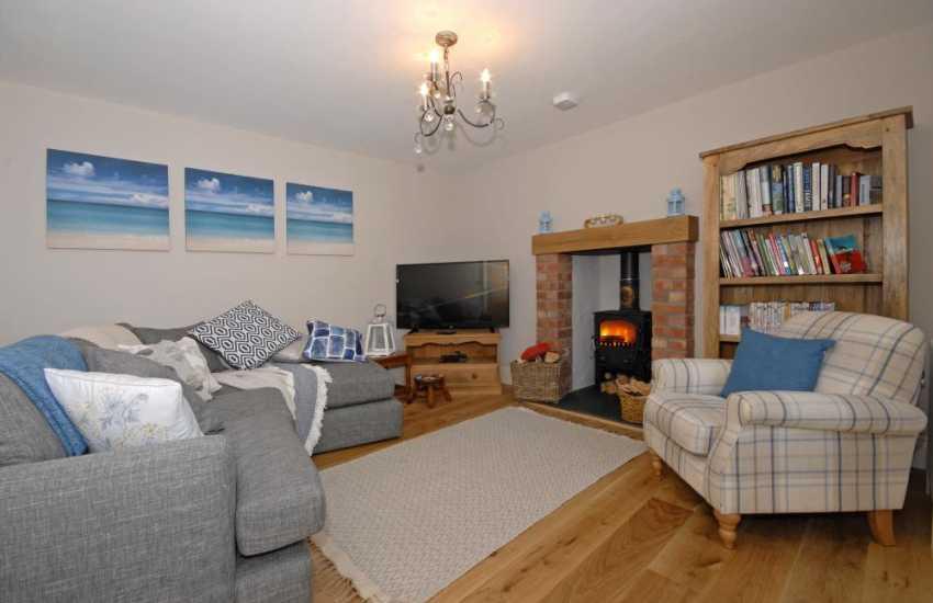 Haverfordwest luxury holiday cottage - snug with log burning stove