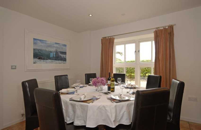Solva luxury spacious home for parties and family get togethers