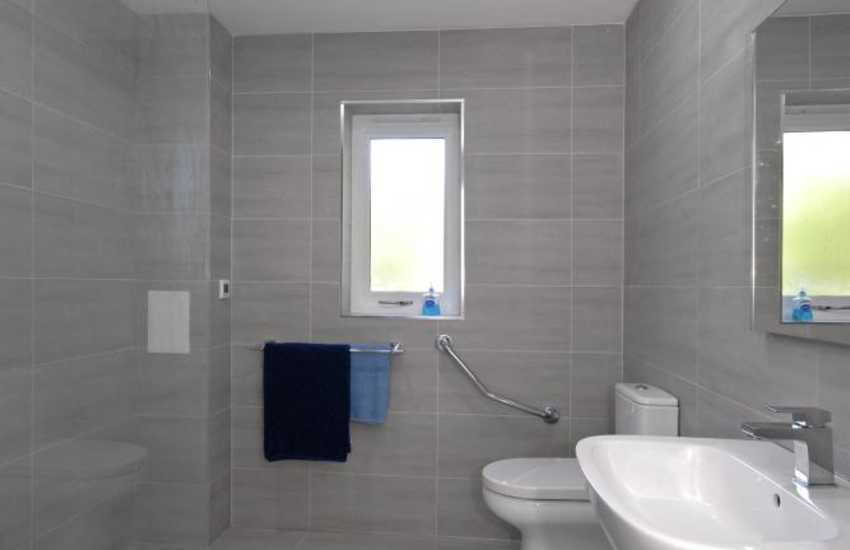 Newport holiday home with ground floor wet room