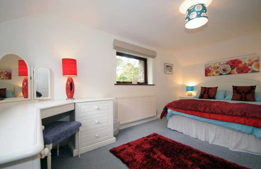 Large Snowdonia holiday house - double bedroom