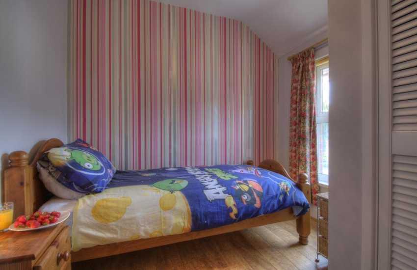 Aberystwyth holiday house sleeping 7 - single bedroom