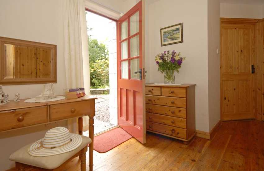 Landshipping Quay  - holiday cottage in tranquil setting and river views