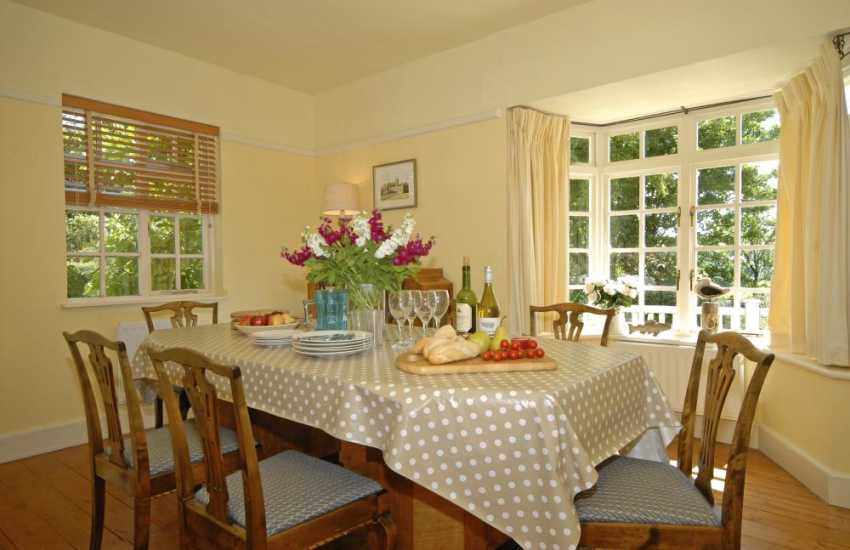Holiday cottage in Manorbier - dining room