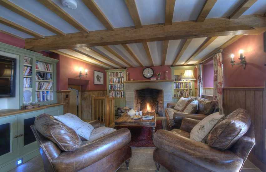 Holiday cottage with hot tub Mid Wales - lounge