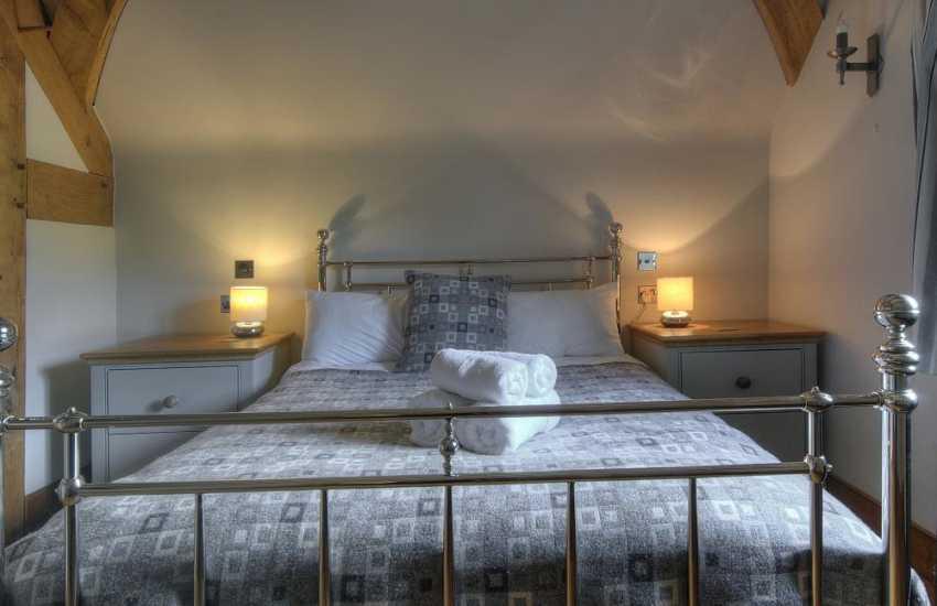 Luxury holiday house brecon beacons - bedroom