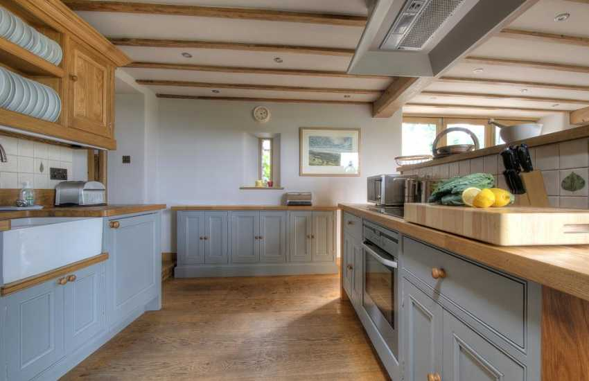 Luxury holiday house Brecon Beacons - kitchen