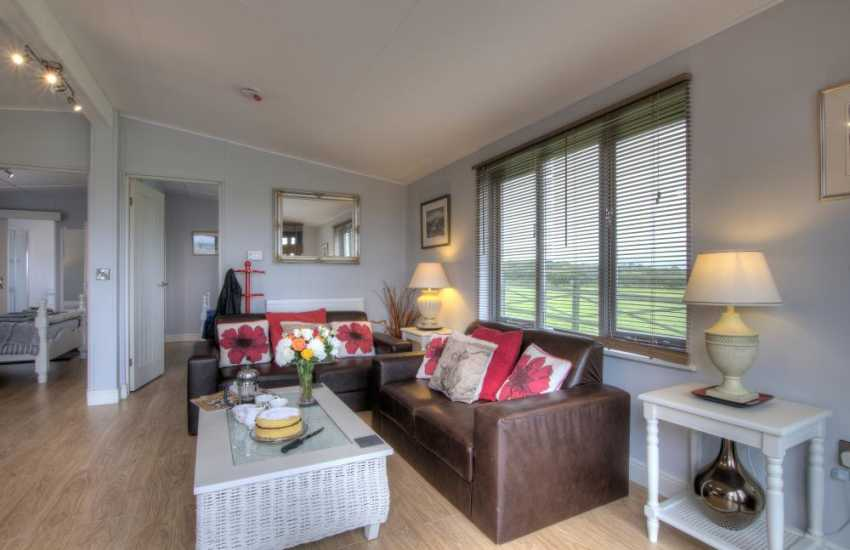 Pet free 2 bedroomed cottage Anglesey - lounge