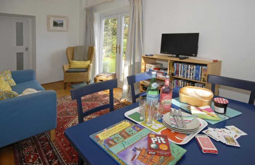 Solva holiday cottage - garden room with games, books, t.v. and dvd's