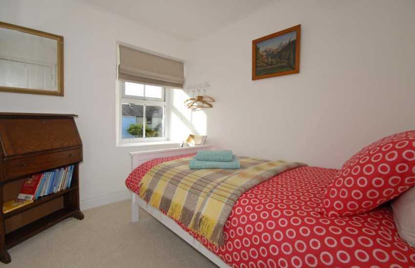 Upper Solva holiday cottage - single bedroom
