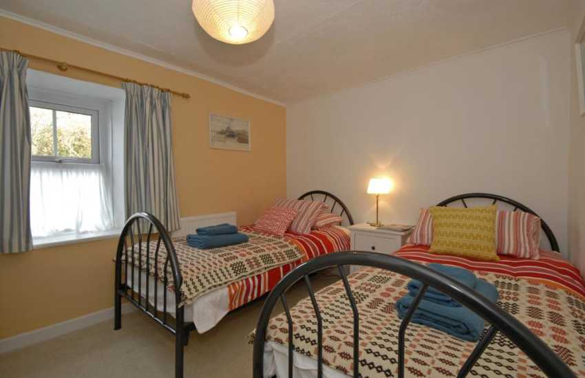 St Davids family holiday cottage sleeps 5 - twin