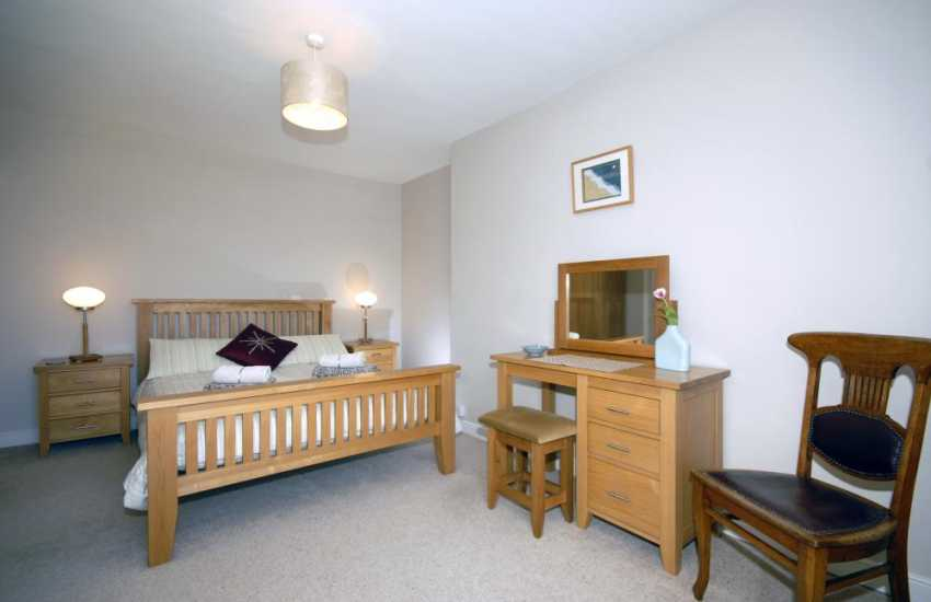 Aberaeron Cardigan Bay holiday home - double with harbour views