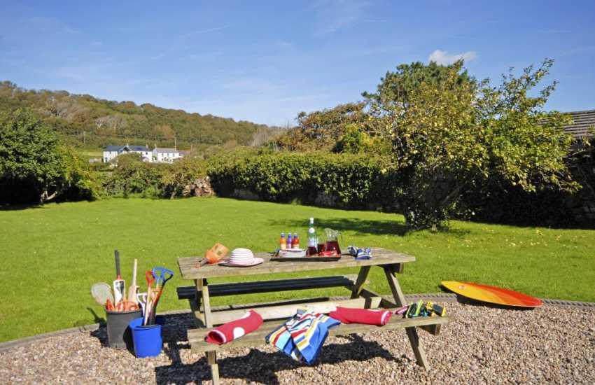 Dale coastal family holiday home with large enclosed gardens - child and dog friendly