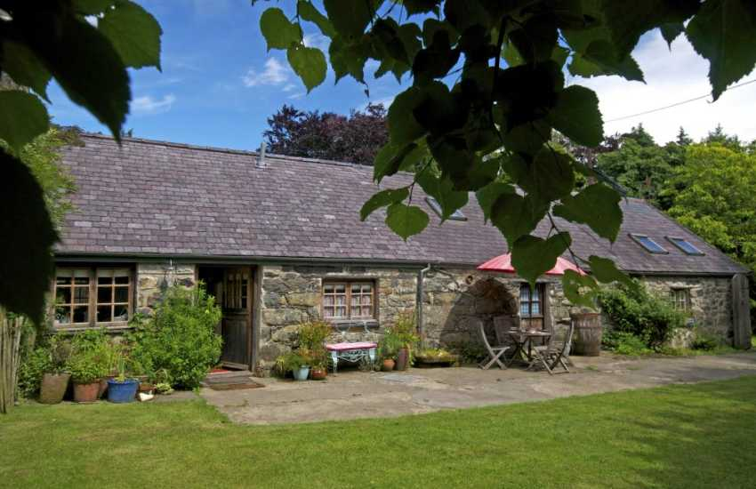 Snowdonia National Park holiday cottage - exterior